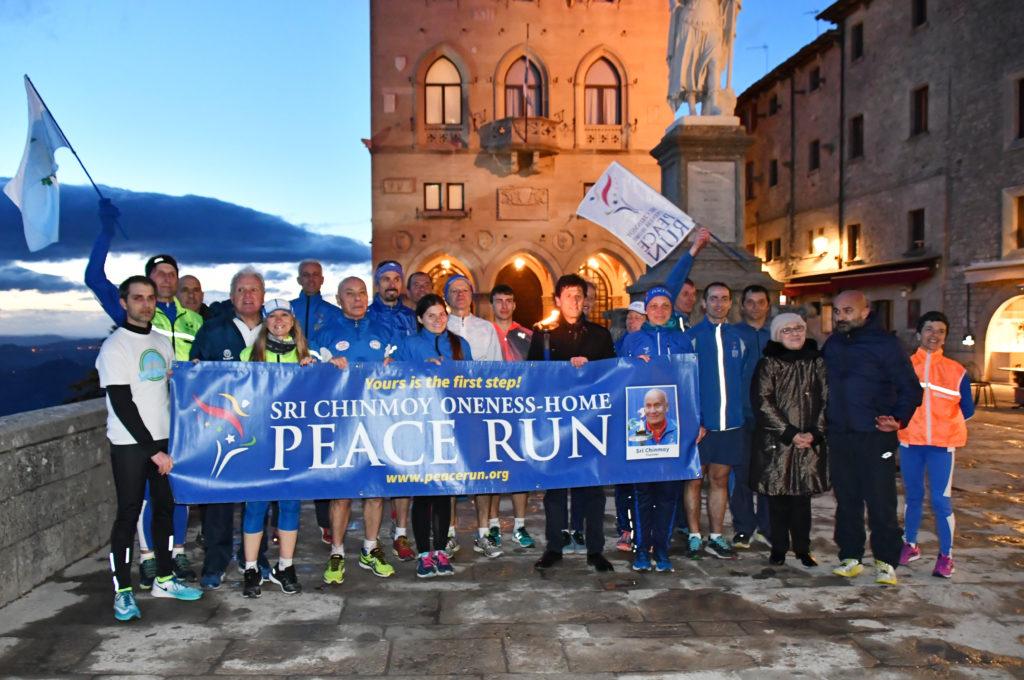 La Peace Run in Piazza della Libertà